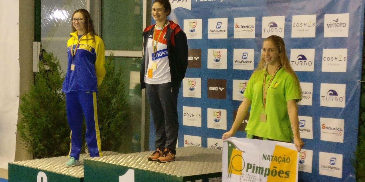 Inês Henriques com medalha de bronze nos Campeonatos Nacionais Juniores e Seniores