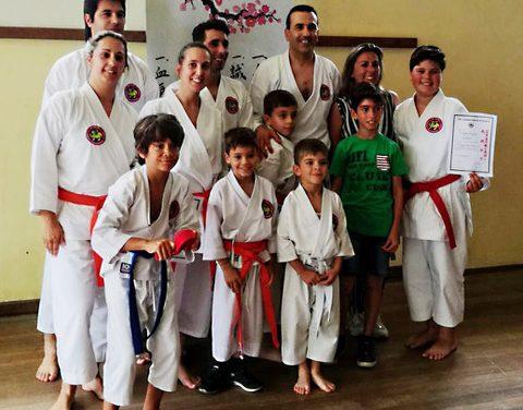 Atletas de Karaté Shokotan dos Pimpões sobem de grau com excelentes resultados
