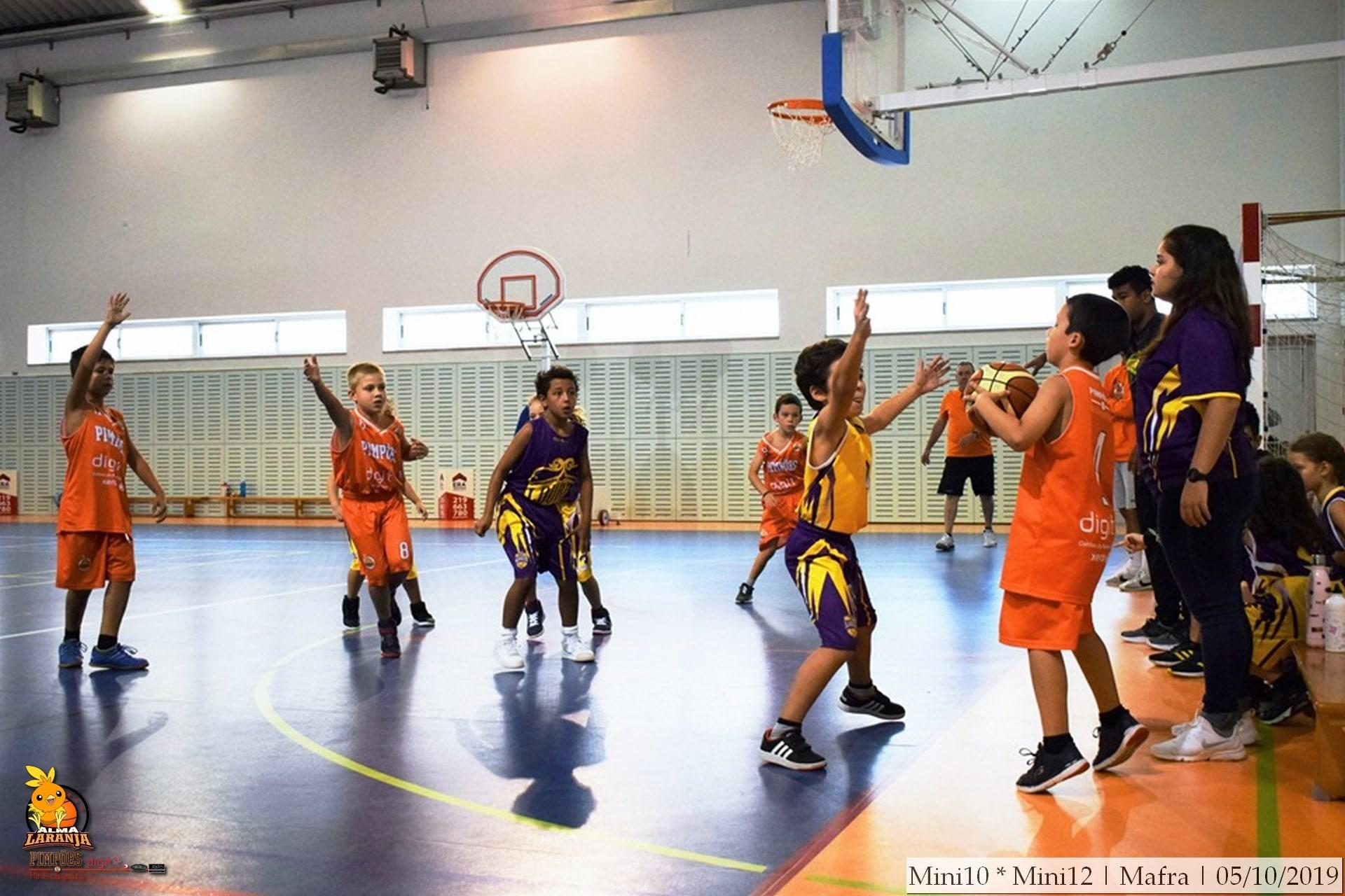 Atletas do minibasquete dos Pimpões participaram em Torneio em Mafra