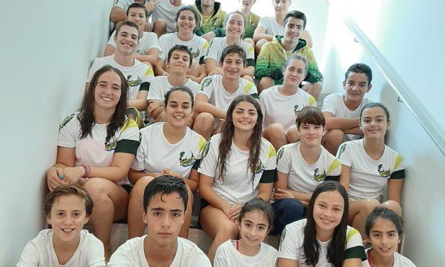 Pimpões levou 24 nadadores a Torneio de Abertura em Óbidos