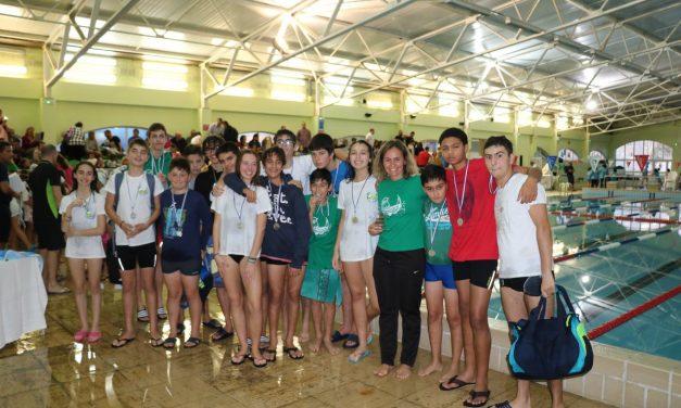 Nadadores dos Pimpões no XI Circuito de Escolas de Natação do Oeste