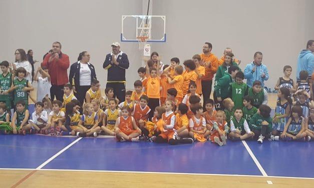 Minibasquete dos Pimpões promoveu convívio de Natal com 10 clubes
